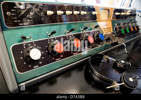 USA Illinois Pontiac Route 66 Hall Fame Museum Historic audio amplifier headphones on display - Stock Photo