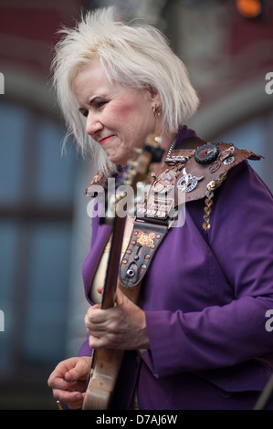 Guitarist Jennifer Batten performing at the Thanks Jimi Festival in Wroclaw, Poland. - Stock Photo