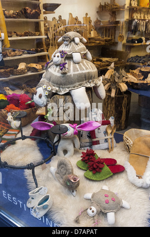 Shop window display showing traditional Estonian handy crafts in the Old Town part of Tallinn, Estonia - Stock Photo
