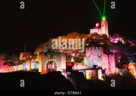 Floodlit Tsarevets fortress and laser light and sound show, Veliko Tarnovo, Bulgaria - Stock Photo