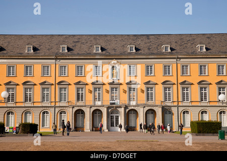 Kurfuerstliches Schloss (Electoral Prince's Castle), main building of the University of Bonn, North Rhine-Westphalia, - Stock Photo