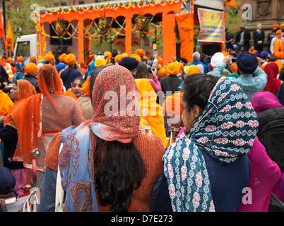 Manchester, UK. 5th May, 2013. The most important Vaisakhi celebration in the Sikh calendar marked by the Sikh Community - Stock Photo