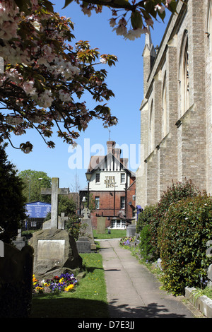 The Bell Inn near St Mary's Church, Hampton, Middlesex, England, UK. - Stock Photo
