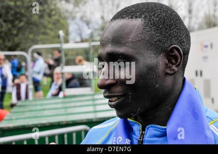 Belfast, Northern Ireland, UK. 6th May 2013. Kenyan Joel Kipsang Kositany wins the 2013 Belfast City Marathon with - Stock Photo