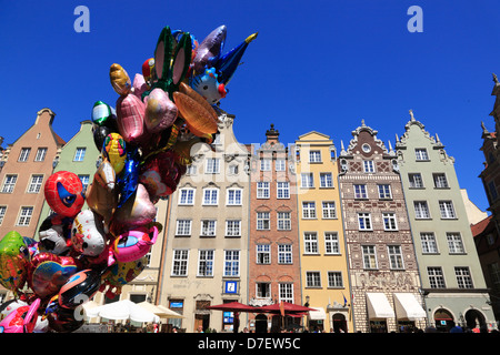 Gdansk, Langer Markt, Dlugi Tark, Long Market, balloons on sale, Poland - Stock Photo