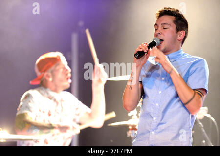 Toronto, Canada. 6th May 2013. American musical duo TWENTY ONE PILOTS, consists of Tyler Joseph and Josh Dun,  performs - Stock Photo