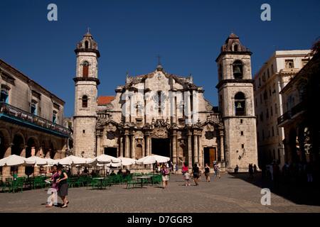 the cathedral Catedral de San Cristobal on the square Plaza de la Catedral in Old Havana La Habana Vieja, Havana, - Stock Photo