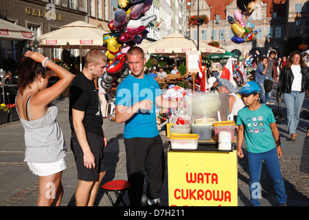 Gdansk, Dlugi Targ, Long Market,  Langer Markt, Zuckerwatteverkaeufer, Poland - Stock Photo