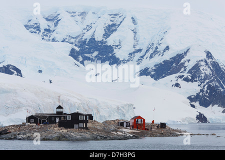 González Videla Base, is a Chilean base on the Antarctic mainland's Waterboat Point in Paradise Bay, Antarctica. - Stock Photo