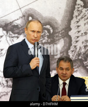 April 30, 2013 - St. Petersburg, Russia - April 30,2013. Pictured: President Vladimir Putin and Russia's Defence - Stock Photo