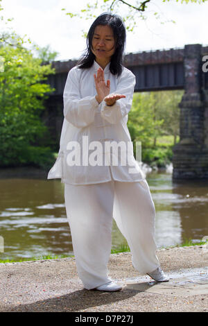 Preston, UK. 11th May 2013. Feixia Yu performs a demonstration of T'ai chi ch'uan often shortened to tai chi at - Stock Photo