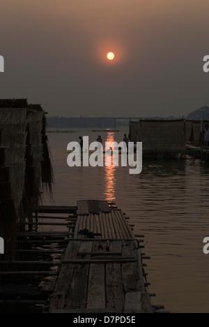 Sundown on Mon River, Sonnenuntergangsstimmung am Mon Fluss - Stock Photo