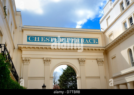 Chester Terrace Regents Park London - Stock Photo