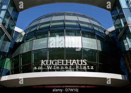 Dresden, Kugelhaus am Wiener Platz, Sachsen, Deutschland - Stock Photo