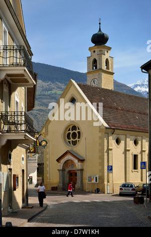 Italien, Südtirol, Vinschgau, Frauenkirche in Glurns - Stock Photo