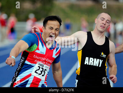 Colorado Springs, USA. 14th May 2013. British Armed Forces wounded warrior, Kushal Limbu, celebrates his victory - Stock Photo