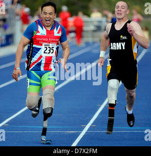 Colorado Springs, USA. 14th May 2013. British Armed Forces wounded warrior, Kushal Limbu, on his way to victory - Stock Photo