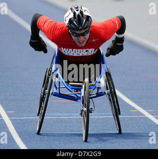 Colorado Springs, USA. 14th May 2013. Marine Corps wounded warrior, Juan Soto, in the men's 200 meter wheelchair - Stock Photo