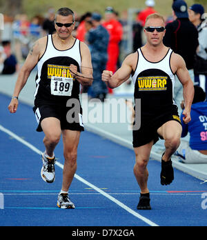 Colorado Springs, USA. 14th May 2013. Special Operations wounded warrior, Ivan Castro (189) and guide, compete in - Stock Photo