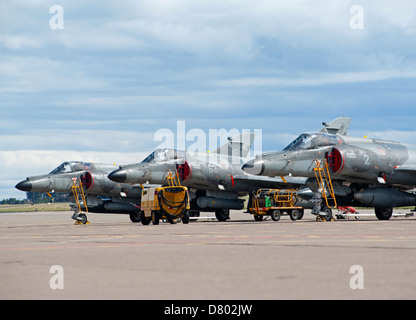 Dassault Super Etendard Fighter Jets Modernise 17 Flottille, Landivsiau CEPA Istres.   SCO 9108 - Stock Photo