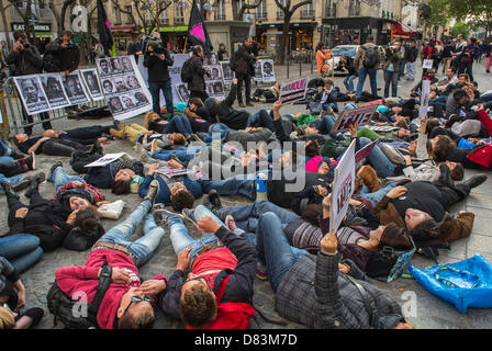 Paris, France, Anti- Homophobia Demonstration, Rally, Act Up-Paris, AIDS Activits, stage a 'Die-in' in memory of - Stock Photo