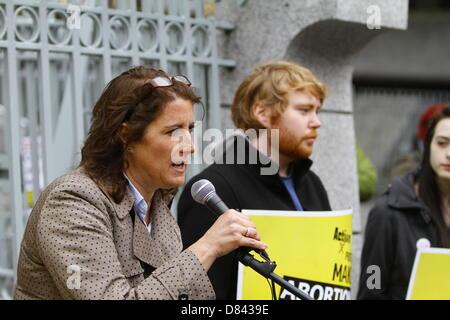 Dublin, Ireland. 18th May 2013. Taryn Trainor, spokesperson for Unite the Union addresses the Pro-Choice rally. - Stock Photo