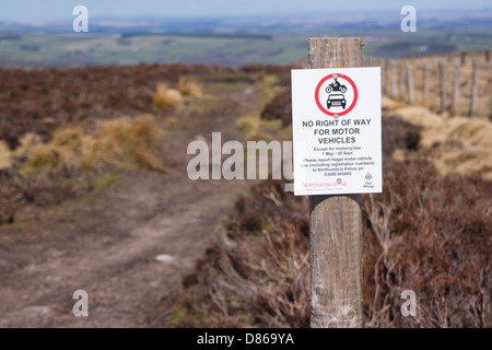 No right of way for motor vehicles sign on Blanchland Moor. - Stock Photo