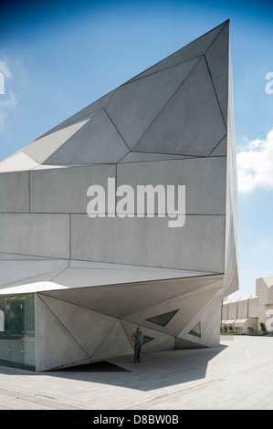 Israel, Tel Aviv, Herta & Paul Amir building  Facade of the new wing at the Tel Aviv Museum of Art - Stock Photo