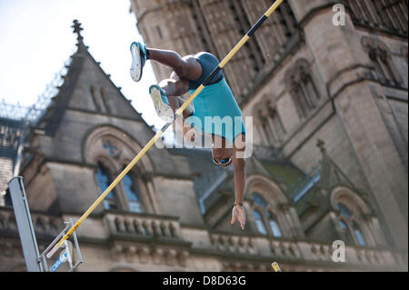 MANCHESTER, UK. 25th May 2013. Raphael Holzdeppe of Germany vaults to take 2nd place in the Mens Pole Vault event - Stock Photo