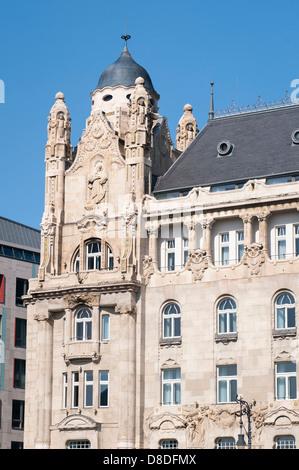 Budapest Hungary Szechenyi Istvan Ter Square Gresham Palace detail now luxury Four Seasons Hotel ornate frieze friezes - Stock Photo