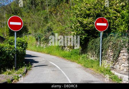 Roadsigns, Sign, signboard, warning signs, No Entry - Stock Photo