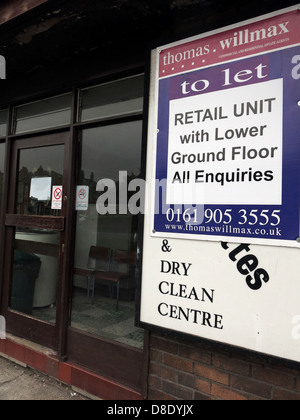 Traditional Launderette clothes wash shop in Grappenhall, Warrington closed to let - Stock Photo