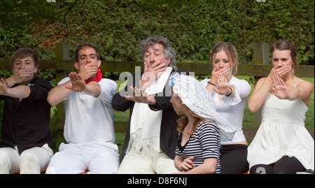 Amateur dramatics production of Godspell in a Suffolk garden. Five people reject a bride. - Stock Photo