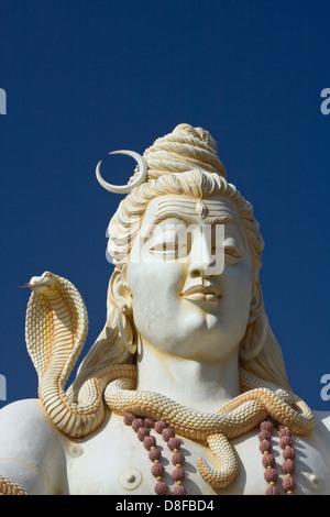 Asien, Indien, Karnataka, Bijapur, Shiva Shivagiri, Lord Shiva Statue - Stock Photo