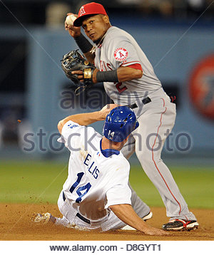 Los Angeles, California, U.S. May 28, 2013. Los Angeles Angels shortstop Erick Aybar (2) forces out Los Angeles - Stock Photo