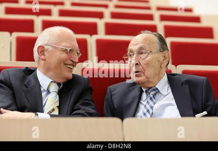 Former German Foreign Minister Hans-Dietrich Genscher (R) and former Vice-President of the European Commission, - Stock Photo