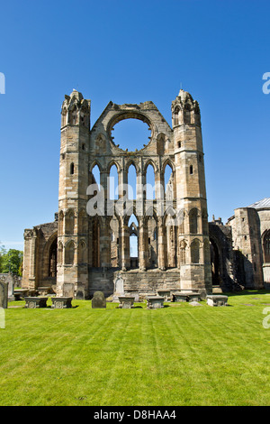 ELGIN CATHEDRAL IN EARLY SPRING A VIEW OF THE SMALL TOWERS MORAY SCOTLAND - Stock Photo