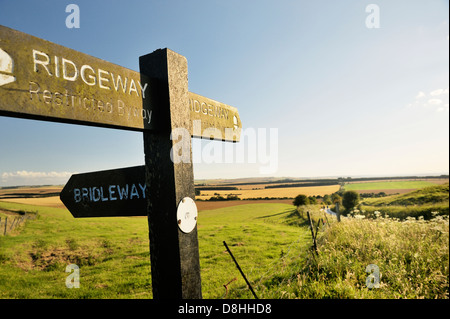 The Ridgeway. Sign on 5000 year old long distance path seen between Uffington Castle and Wayland's Smithy. Oxfordshire, - Stock Photo