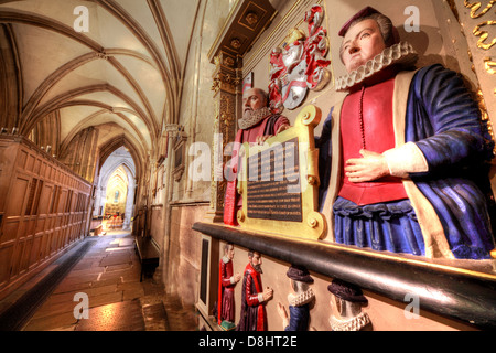 Southwark Cathedral interior London, the Tre-hearne statue - Stock Photo