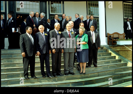President Nelson Mandela hosts UK Prime Minister John Major at the Tuinhuis,Cape Town,1994 - Stock Photo