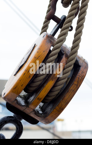 Block and tackle. RSS Discovery Dundee - Stock Photo