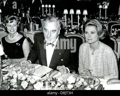 PRINCESS GRACE OF MONACO with Louis Mountbatten about 1965 - Stock Photo