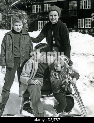 PRINCESS GRACE OF MONACO with her children in Switzerland about  1972 from left: Albert, Caroline, Stephanie - Stock Photo
