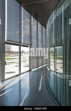 Interior of the Louvre-Lens museum designed by Japanese architects SANAA - Stock Photo