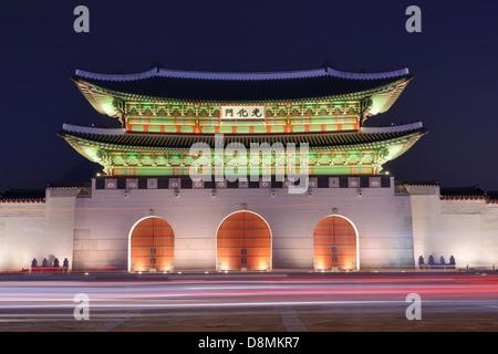 Gwanghwamun gate at Gyeongbokgung Palace in Seoul, South Korea. - Stock Photo