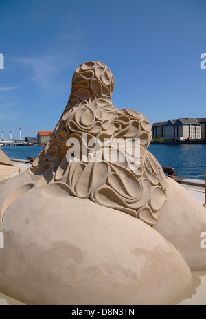 'Time Curves' by Gianni Schiumarini, Italy. The time curve of male desire. One of 17 sand sculptures on display - Stock Photo
