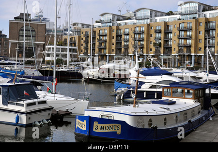 St. Katharine Docks, marina and properties, near Tower Bridge, London, England, UK. - Stock Photo