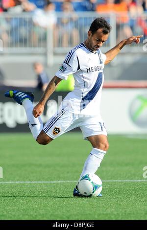 Foxborough, Massachusetts, USA. 2nd June 2013.  Los Angeles Galaxy midfielder Juninho (19) during the New England - Stock Photo