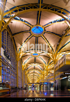 Main hall at the Reagan National Airport, Washington DC - Stock Photo