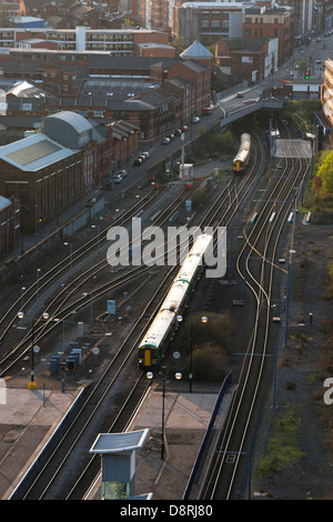 A train puling in to Snow Hill station. Birmingham, West Midlands, England, UK, also shown in the Jewellery Quarter. - Stock Photo